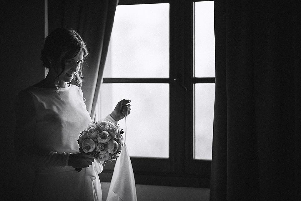 Sposa pronta per la cerimonia